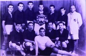 صورة لاعبي فريق كرة القدم للنادي الرياضي الإسلامي بيافا