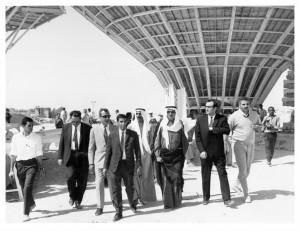 وزير الكهرباء والماء عبد الله السميط و رئيس مهندسي المياه عبد الله الشرهان و خيري أبو الجبين مراقب العلاقات العامة